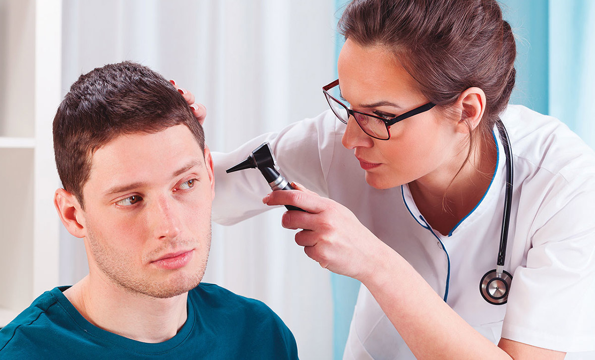 Estudios de audiología protésica